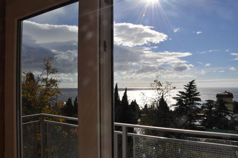 Часть дома. Панорамный люкс с балконом. на 2 человека, 1 спальня, улица Васильченко, 16, Симеиз - Фотография 9