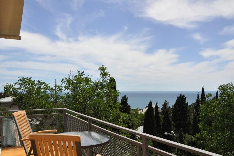 Часть дома. Панорамный люкс с балконом. на 2 человека, 1 спальня, улица Васильченко, 16, Симеиз - Фотография 12