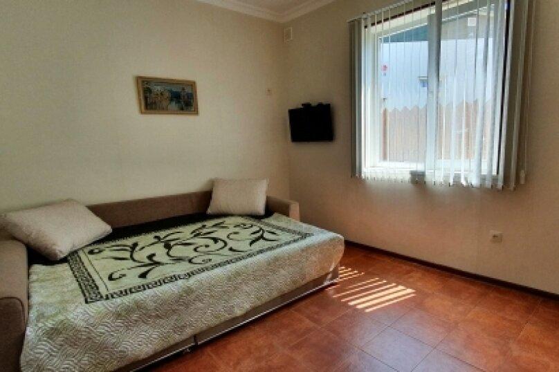 Дом, 50 кв.м. на 5 человек, 2 спальни, улица Калинина, 26, Алупка - Фотография 1