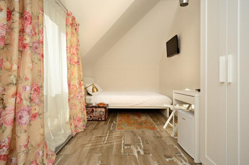 Улучшенный номер с двуспальной кроватью, СНТ Верхнее Акатово, 14, Москва - Фотография 1