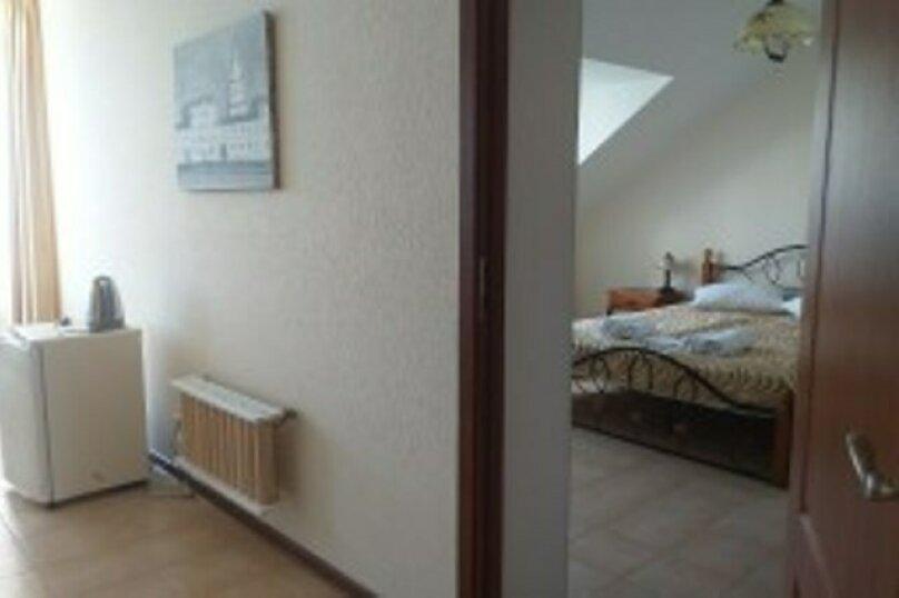 Апартаменты класса люкс с 2 спальнями - Мансарда, Набережная улица, 11А, Коктебель - Фотография 1