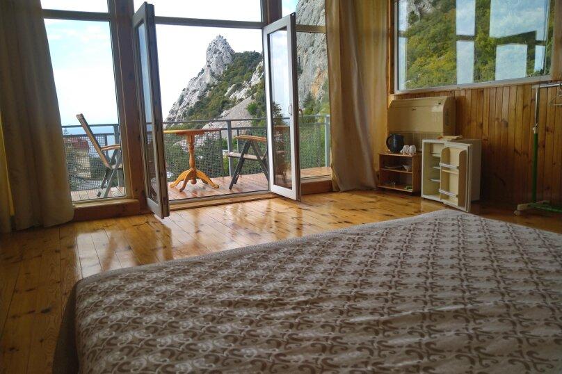 Часть дома. Панорамный люкс с балконом. на 2 человека, 1 спальня, улица Васильченко, 16, Симеиз - Фотография 13