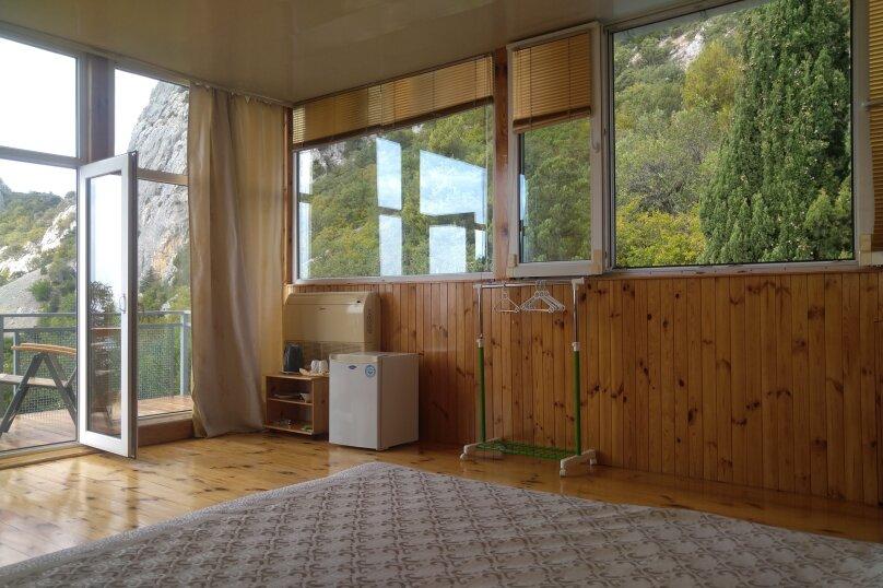 Часть дома. Панорамный люкс с балконом. на 2 человека, 1 спальня, улица Васильченко, 16, Симеиз - Фотография 14