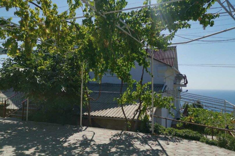 """Гостевой дом """"На Алуштинской 4"""", Алуштинская, 4 на 8 комнат - Фотография 13"""