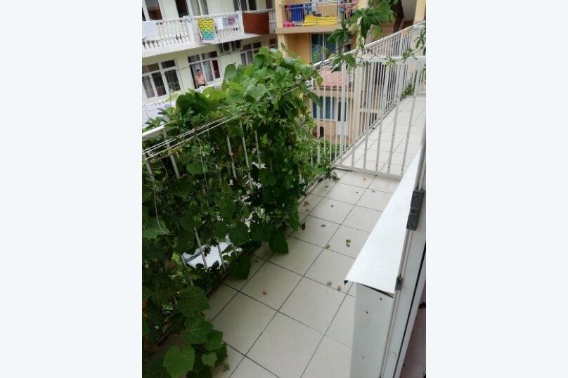 """Гостевой дом """"Карат"""", улица Просвещения, 130А на 14 комнат - Фотография 25"""