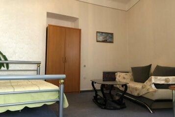 2-комн. квартира, 55 кв.м. на 6 человек, улица Дражинского, 19, Ялта - Фотография 1