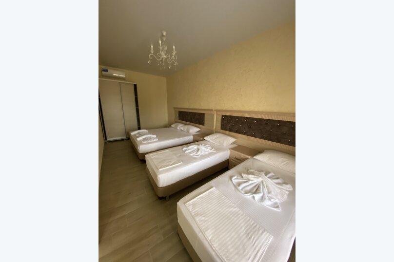 Люкс двух комнатный, Прибрежная улица, 11-А, Штормовое - Фотография 1