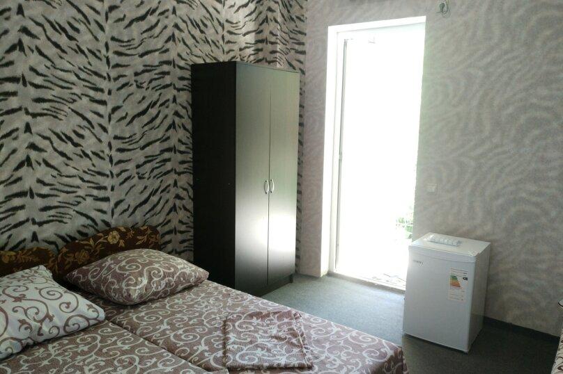 2-й. этаж, 6-я. комната, 4-х. местный., Черноморская, 4а, Ольгинка - Фотография 1