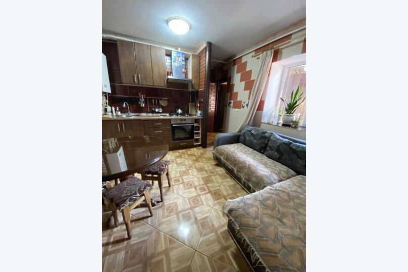 """Гостевой дом """"На 3 Поперечной 4"""", 3-я Поперечная улица, 4 на 2 комнаты - Фотография 7"""