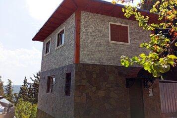 Дом, 60 кв.м. на 6 человек, Строителей, 2Б, Гурзуф - Фотография 1