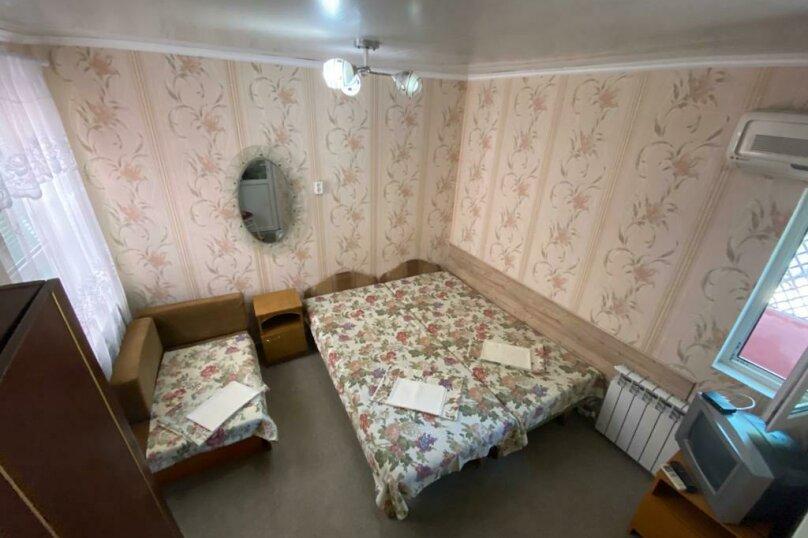 Семейный домик с кухней , улица Луначарского, 164, Геленджик - Фотография 1