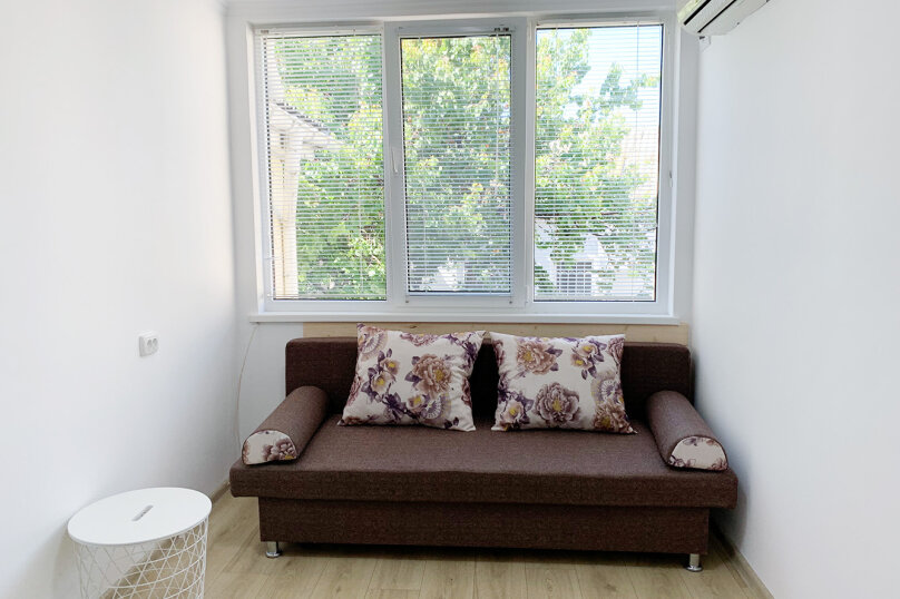 Двухуровневый коттедж, 25 кв.м. на 2 человека, 1 спальня, улица Дёмышева, 15, Евпатория - Фотография 10