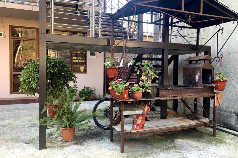"""Гостевой дом """"La familya"""", улица Султана Сосналиева, 26 на 24 комнаты - Фотография 96"""