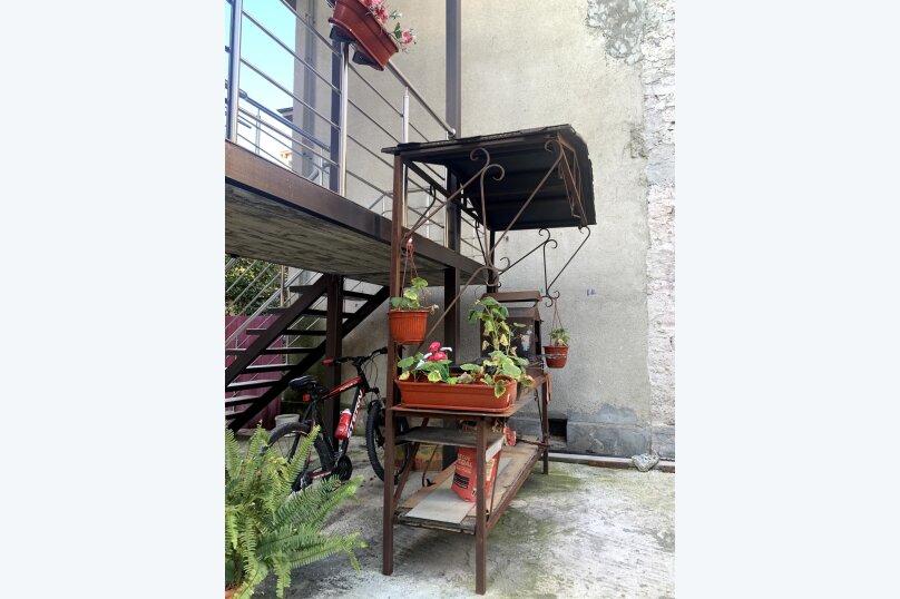 """Гостевой дом """"La familya"""", улица Султана Сосналиева, 26 на 24 комнаты - Фотография 43"""