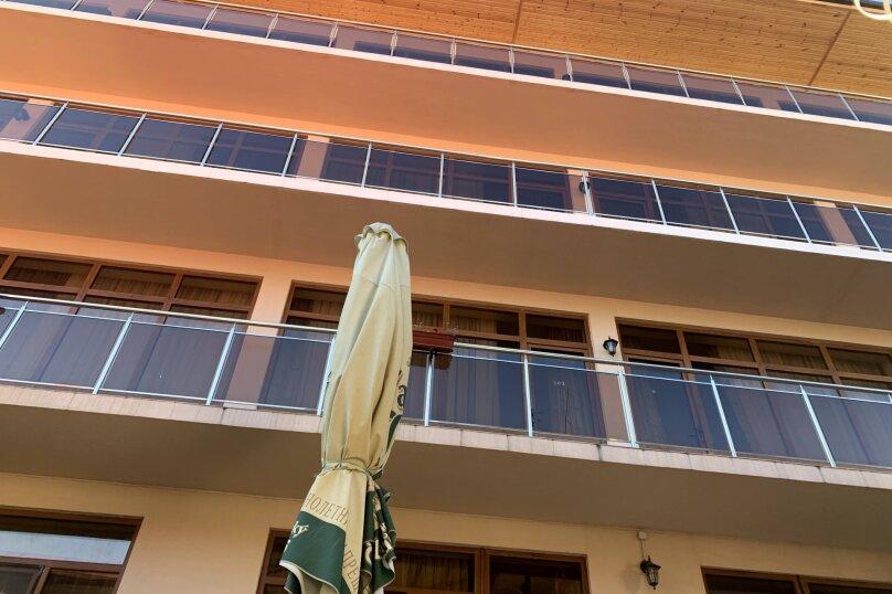 """Гостевой дом """"La familya"""", улица Султана Сосналиева, 26 на 24 комнаты - Фотография 45"""