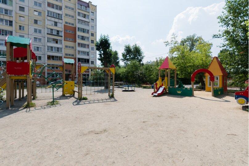 2-комн. квартира, 65 кв.м. на 4 человека, улица Культуры, 95, Челябинск - Фотография 14
