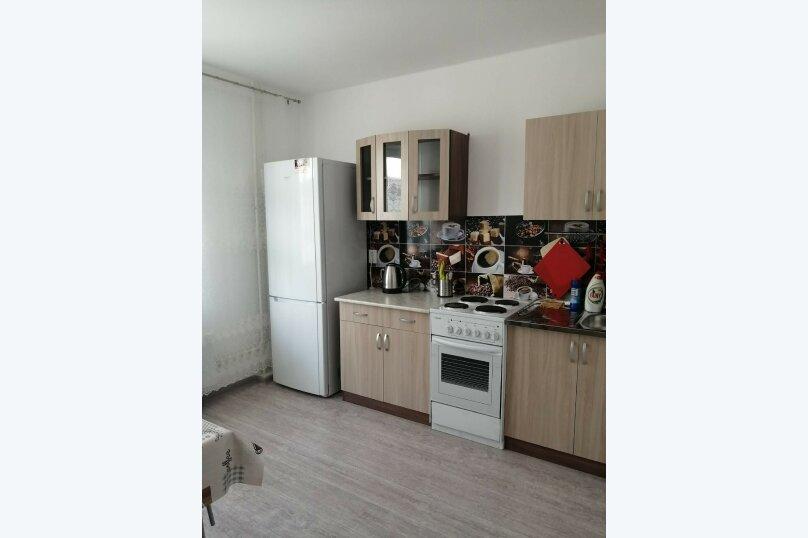 2-комн. квартира, 65 кв.м. на 6 человек, улица Мурата Ахеджака, 21, Новороссийск - Фотография 2