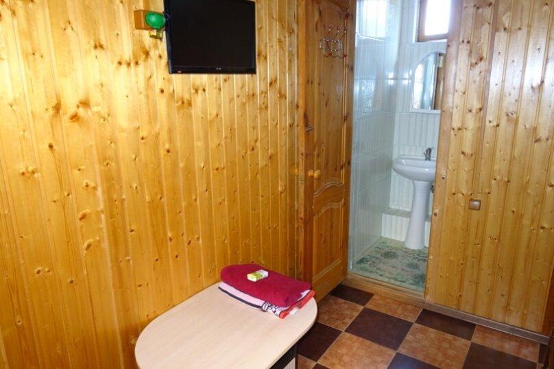 "Гостевой дом ""Арарат"", улица Адыгаа, 53 на 7 комнат - Фотография 8"