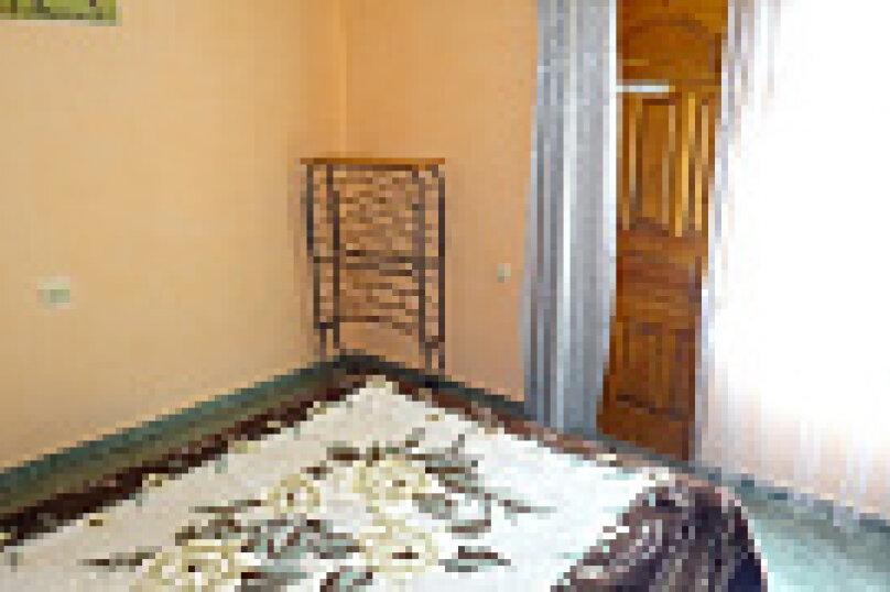 "Гостевой дом ""Арарат"", улица Адыгаа, 53 на 7 комнат - Фотография 9"