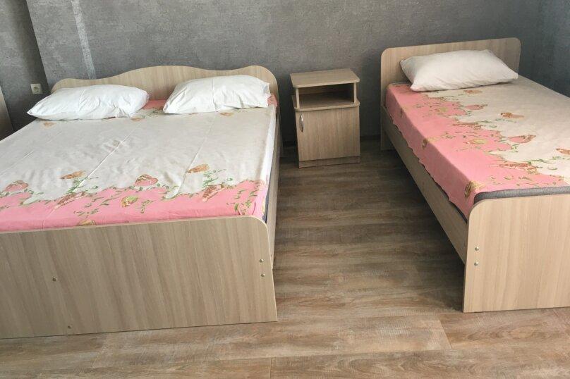 """Гостевой дом """"Уютный дворик"""", Береговая, 4 на 4 комнаты - Фотография 52"""