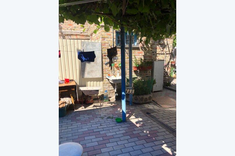 """Гостевой домик """"У Ирины"""", Народная улица, 5-А на 6 комнат - Фотография 28"""
