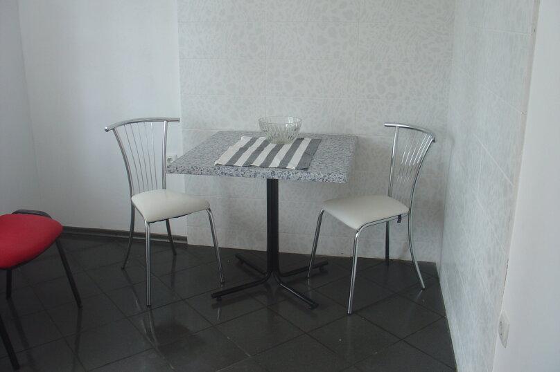 2-комн. квартира, 59 кв.м. на 6 человек, Симферопольское шоссе, 24Б, Феодосия - Фотография 5