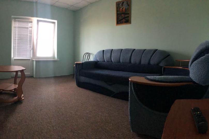Двухкомнатный номер с лоджией, Ветеранов, 63, посёлок Орловка, Севастополь - Фотография 7