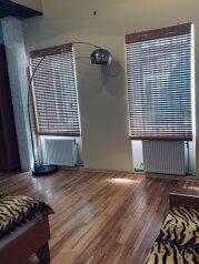 Дом, 70 кв.м. на 5 человек, 2 спальни, улица Мориса Тореза, 17А, Евпатория - Фотография 1