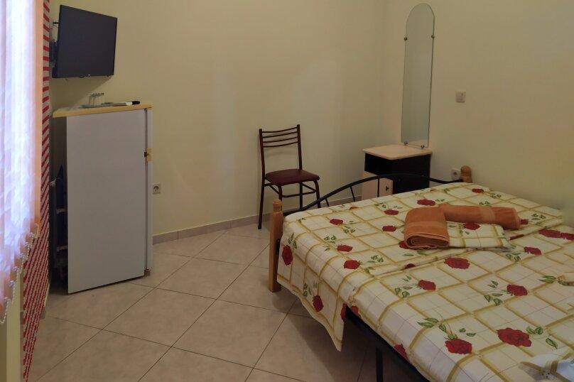 """Гостевой дом """"Одиссей"""", Мирный переулок, 8 на 10 комнат - Фотография 25"""