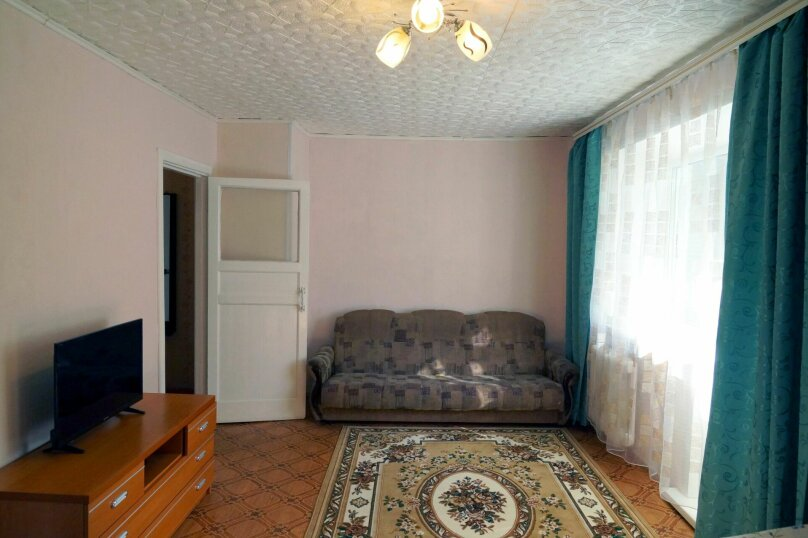 1-комн. квартира, 31 кв.м. на 4 человека, улица Свердлова, 73, Барнаул - Фотография 4