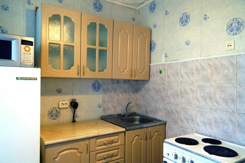 1-комн. квартира, 31 кв.м. на 4 человека, улица Свердлова, 73, Барнаул - Фотография 10