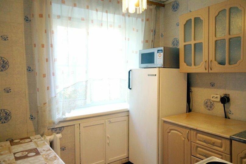 1-комн. квартира, 31 кв.м. на 4 человека, улица Свердлова, 73, Барнаул - Фотография 11