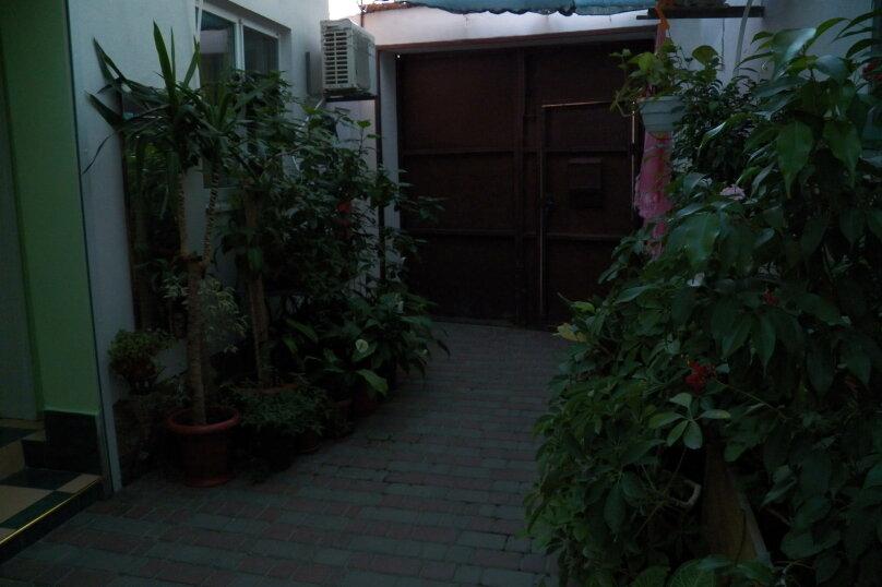 Частный дом с отдельными входами и своими кухнями, Советская улица, 30/23 на 2 комнаты - Фотография 6
