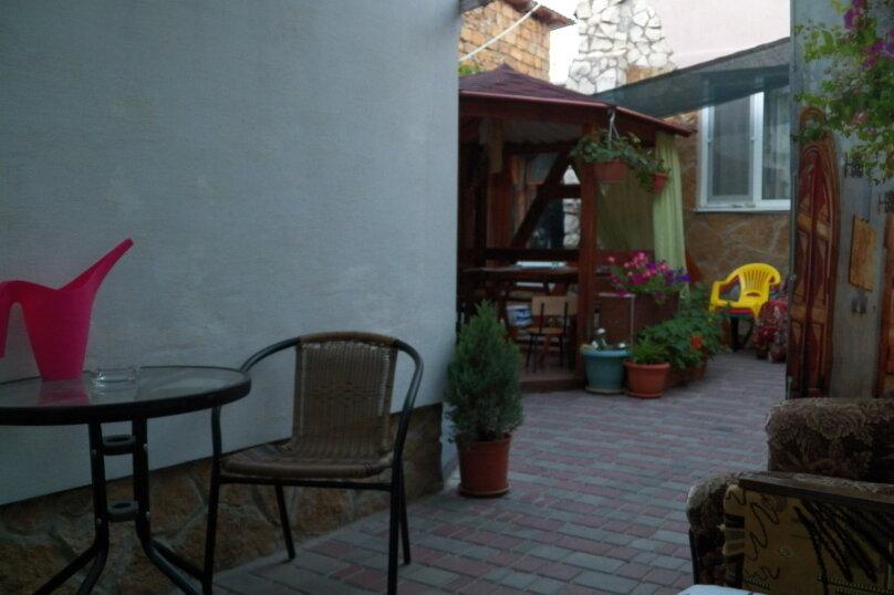 Частный дом с отдельными входами и своими кухнями, Советская улица, 30/23 на 2 комнаты - Фотография 7