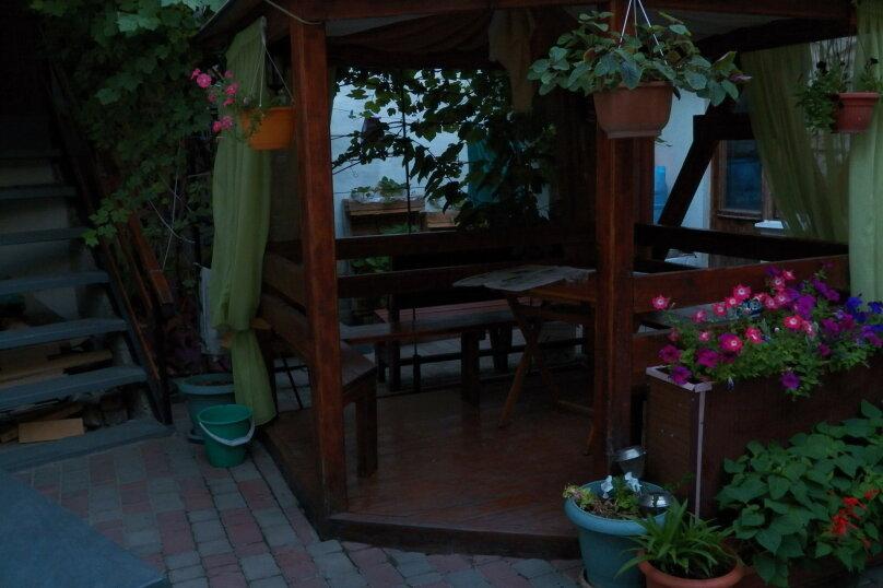 Частный дом с отдельными входами и своими кухнями, Советская улица, 30/23 на 2 комнаты - Фотография 8