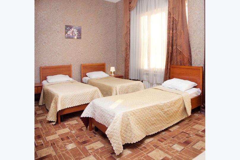 Стандарт 3х местный с балконом, улица Мичурина, 5, Красная Поляна - Фотография 1