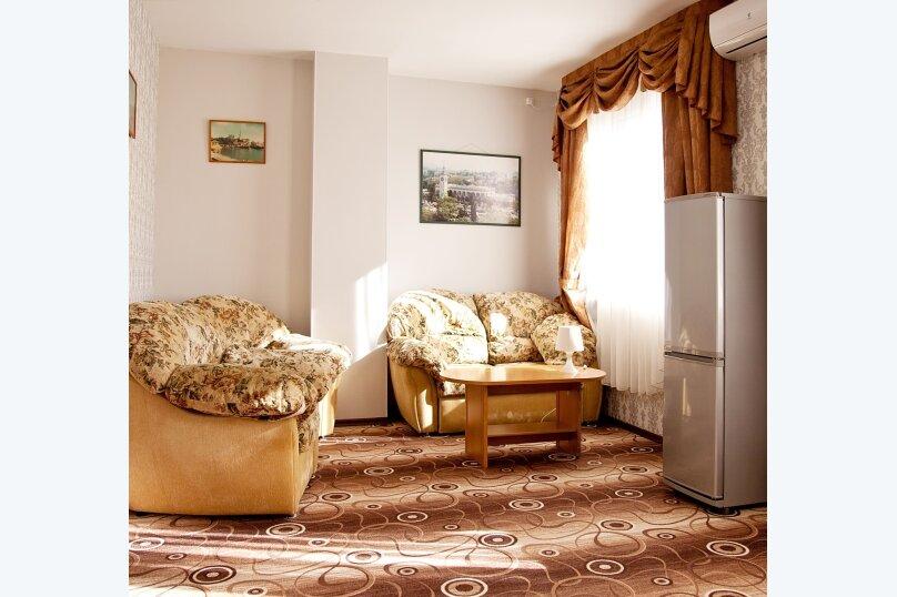 Отель «Утомленные Солнцем», улица Мичурина, 5 на 44 номера - Фотография 42