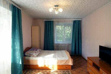1-комн. квартира, 31 кв.м. на 4 человека, улица Свердлова, 73, Барнаул - Фотография 1