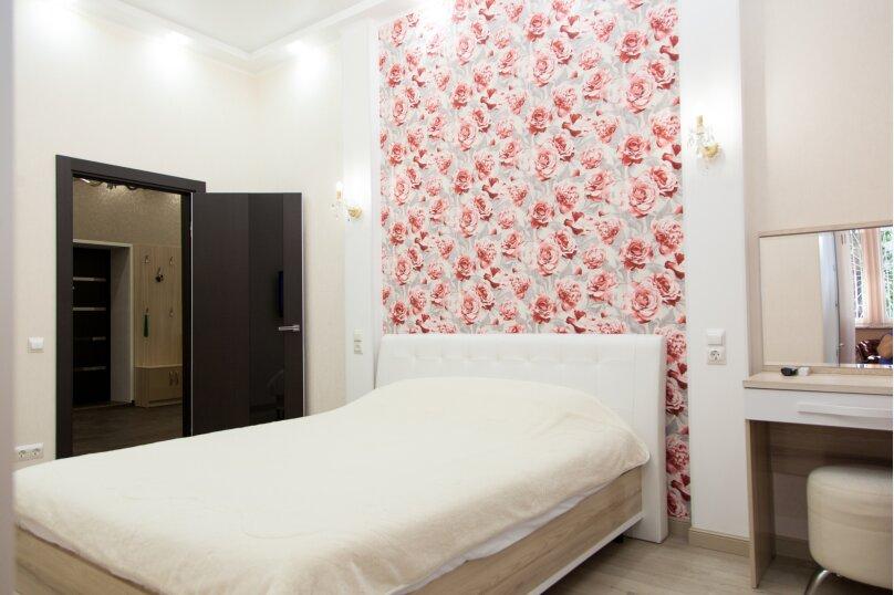 5-комн. квартира, 130 кв.м. на 6 человек, проспект Нахимова, 10, Севастополь - Фотография 23