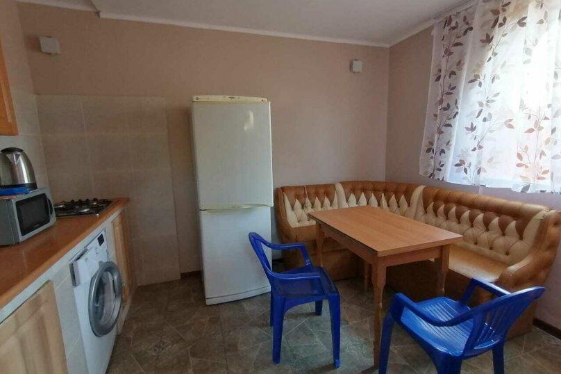 Домик-апартаменты с отдельным входом на 6-7 гостей, 75 кв.м. на 6 человек, 2 спальни, улица Ленина, 49Г, Морское - Фотография 13