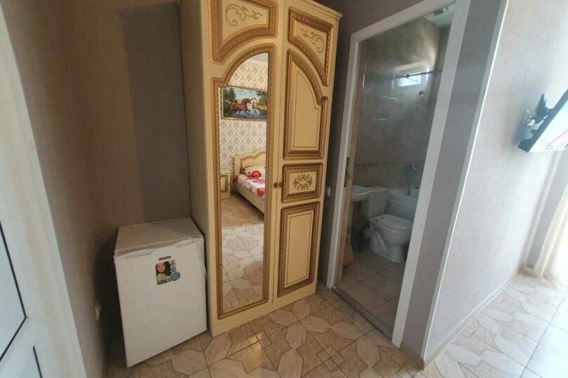 """Гостевой дом """"Азалия"""", Православная улица, 17А на 17 комнат - Фотография 18"""