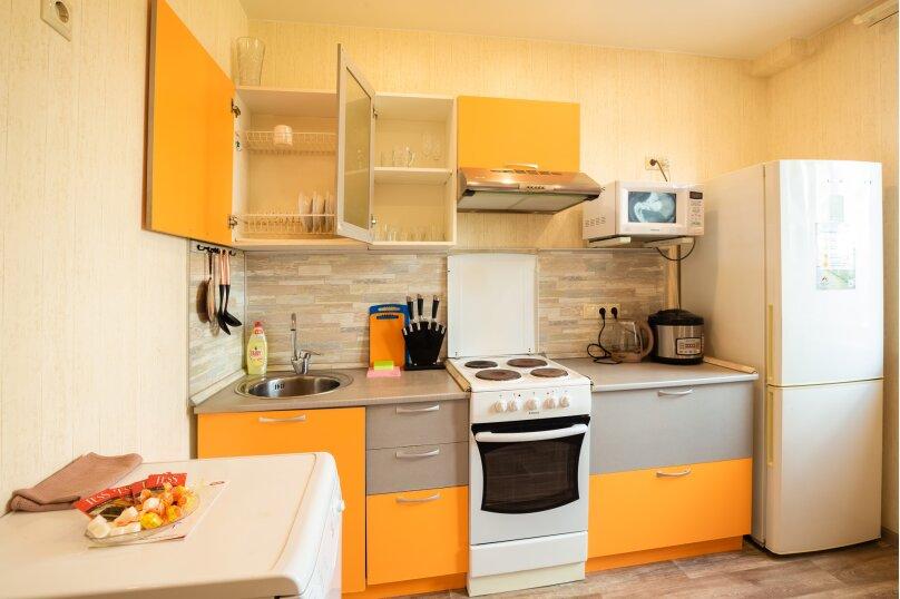 2-комн. квартира, 54 кв.м. на 4 человека, улица Батурина, 19, Красноярск - Фотография 4