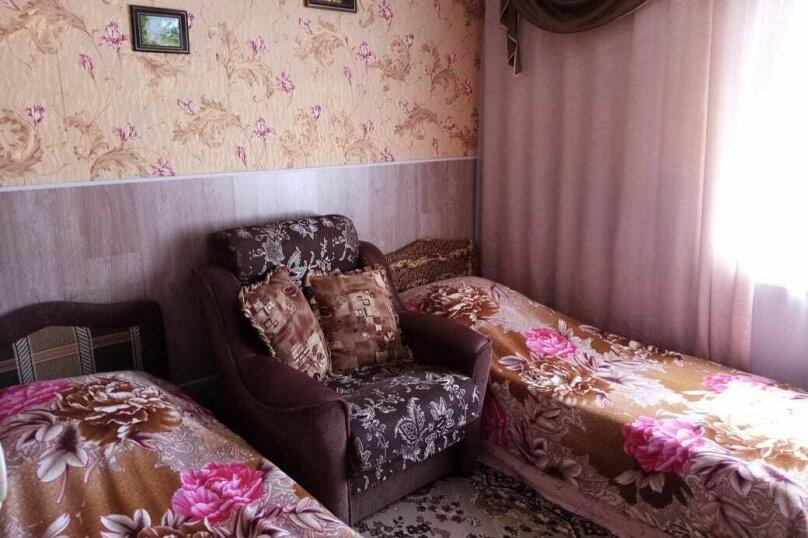 Двухкомнатный с удобствами, Советская улица, 43А, Голубицкая - Фотография 1