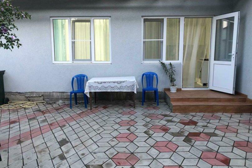 Дом, 30 кв.м. на 3 человека, 1 спальня, улица Комарова, 19А, Витязево - Фотография 1