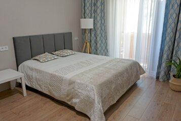 1-комн. квартира, 37 кв.м. на 3 человека, улица Крестовского, 19, Балаклава - Фотография 1