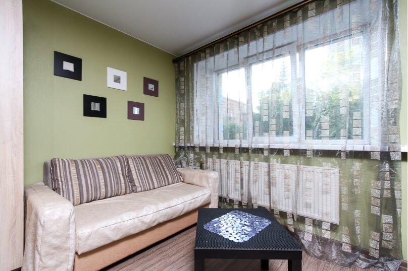 1-комн. квартира, 30 кв.м. на 4 человека, улица Романова, 23, Новосибирск - Фотография 6