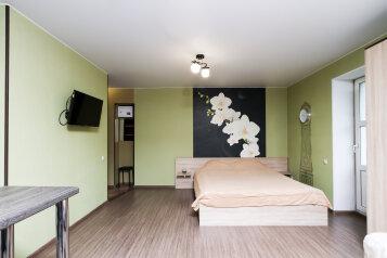 1-комн. квартира, 30 кв.м. на 4 человека, улица Романова, 23, Новосибирск - Фотография 1