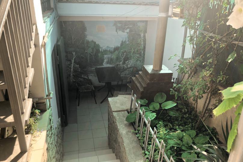 Двор целиком, улица Бирюзова, 6 кв 4, Судак - Фотография 15