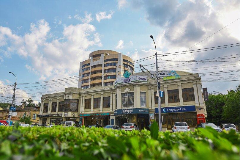 """Отель """"July Hotel"""", улица Булкина, 11 на 10 номеров - Фотография 1"""