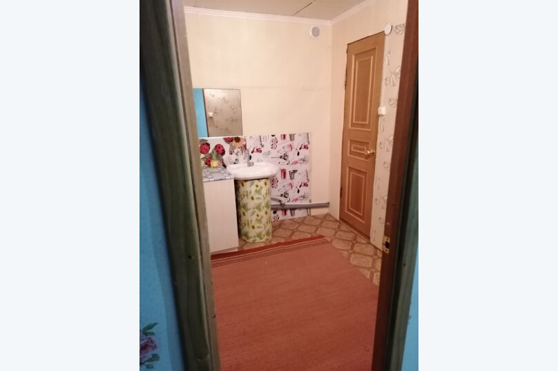 """Гостевой дом """"На Александрова 4"""", улица Александрова, 4 на 5 комнат - Фотография 42"""